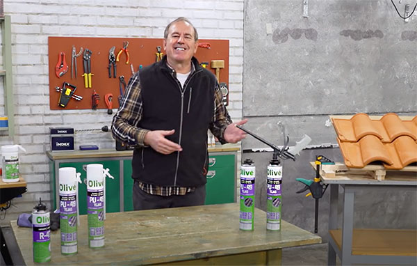 montaje de tejas con espuma de poliuretano